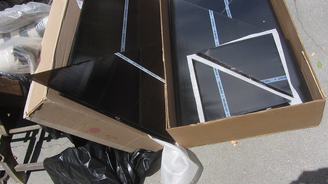 IMG_4540 Palram Fedex shipment of gazebo 3600 polycarbonate sheets but wrong sizes