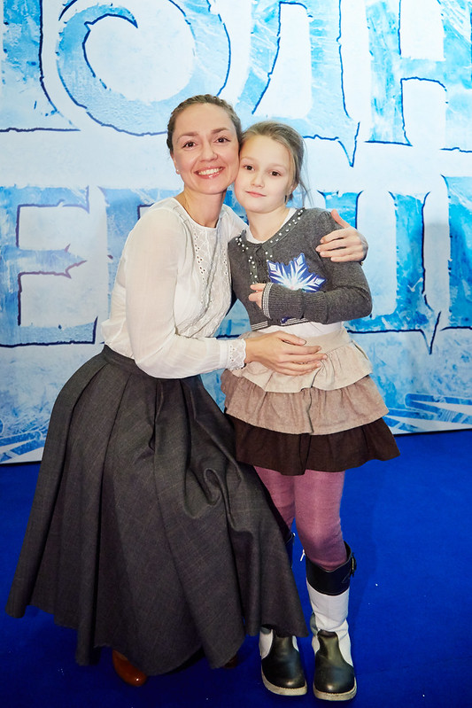 FROZEN_Moscow Premiere_Anna Buturlina s docheryu