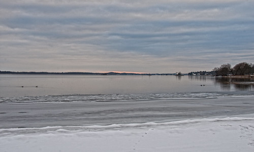 ontario cold ice clouds river islands 1000islands stlawrenceriver mallorytown 1000islandsparkway