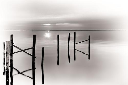 bw sunrise pier nc oriental canonef24105f4lis canoneosrebelt2i niksilverefexpro2 adobephotoshopcs6 nikhdrefexpro2 adobelightroom5