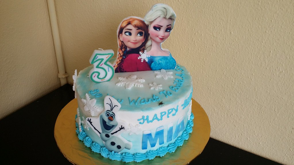 Amazing Frozen Themed Birthday Cake Chloe Thean Flickr Personalised Birthday Cards Paralily Jamesorg