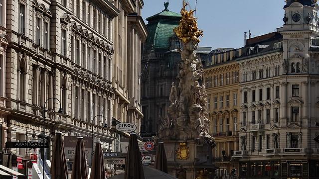 Wien du stolze Kaiserstadt, schön bist du, doch gefährlich auch, dem Schüler wie dem Meister, entnervend weht dein Sommerhauch, du Kapua der Geister 03144