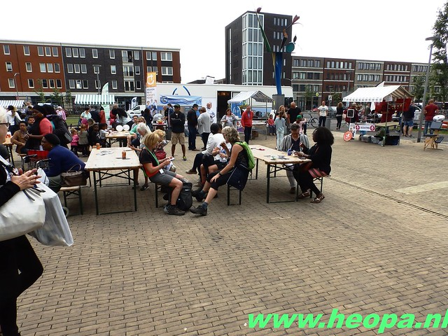2016-06-11        Almeerdaagse     5e dag 42.5 Km (71)