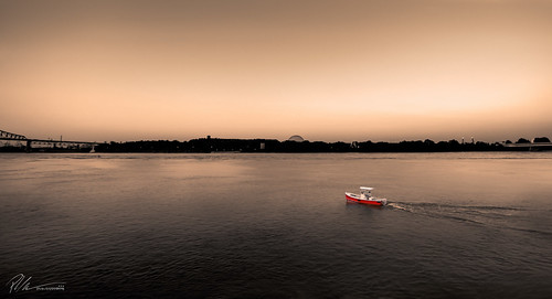 sunset water rouge boat eau montreal québec bateau saintlaurent fleuve nautique