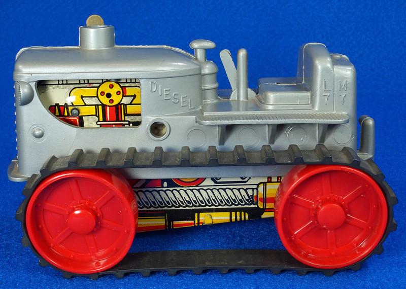 RD9481 Vintage Marx Toy Diesel Tractor Wind Up DSC06245