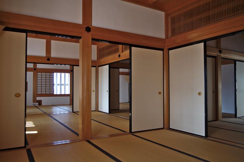 A l'intérieur du bâtiment principal
