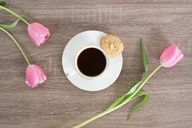 Coffee with tulips