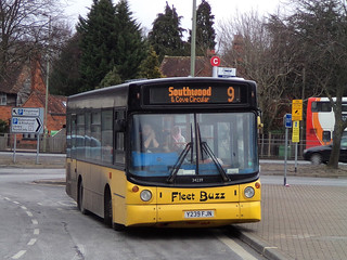 DB0854.  Fleet Buzz liveried Dennis Dart SLF at Farnborough.