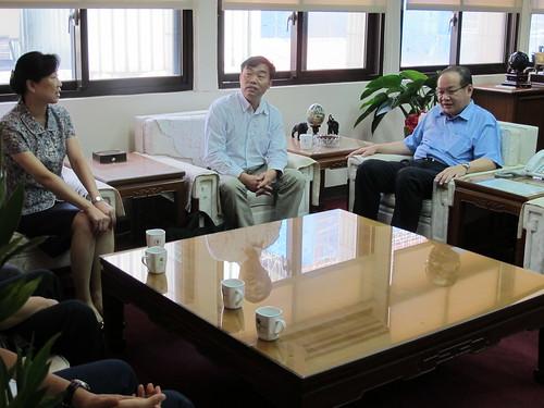圖02中華全國總工會參訪本會(中,左為保障工作部陳杰平.凌萍副部長