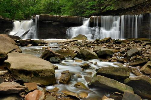nature bedford waterfall greatfalls density tinkerscreek viaductpark tinkerscreekgorge filternikon polarizerneutral d90ohio reservationcircular