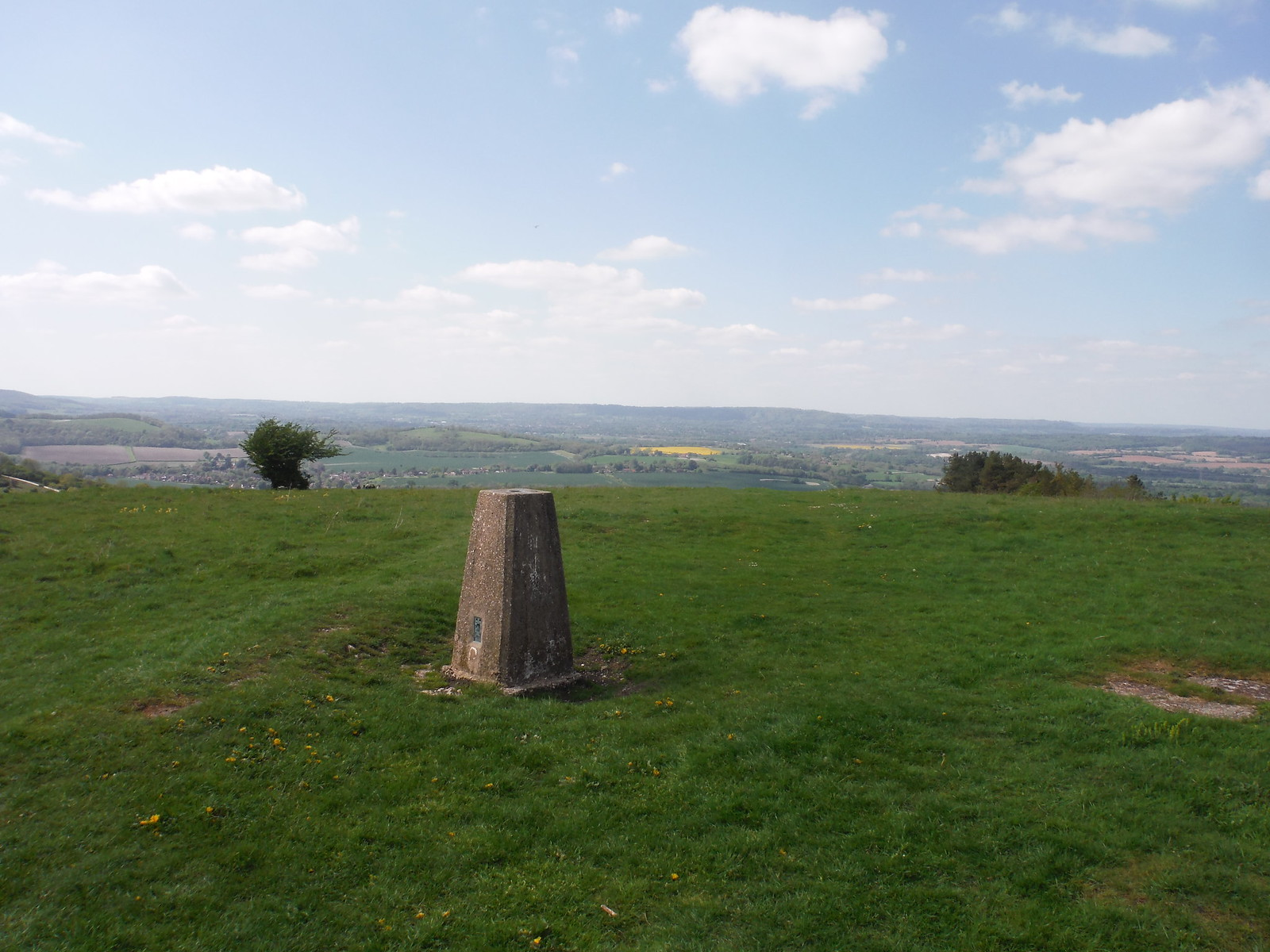 Trigpoint on Beacon Hill SWC Walk Rowlands Castle Circular - Extension