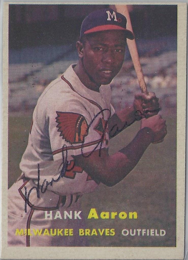 1957 Topps Hank Aaron 20 Outfielder Hof 1982 Ear