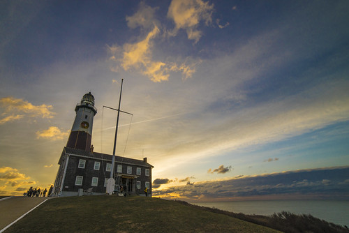 lighthouse sunrise photography newyear longisland montauk 2014 montaukpoint newyearsunrise 201411 pwpartlycloudy