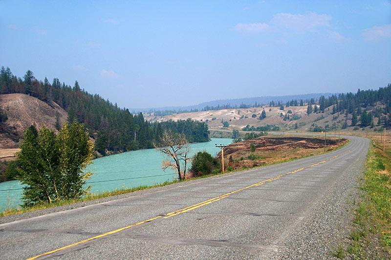 Chilko River alongside Highway 20, Chilcotin Plateau, Chilcotin, British Columbia, Canada
