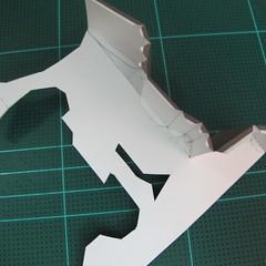 วิธีทำโมเดลกระดาษ ตุ้กตาไลน์ หมีบราวน์ ถือพลั่ว (Line Brown Bear With Shovel Papercraft Model -「シャベル」と「ブラウン」) 006