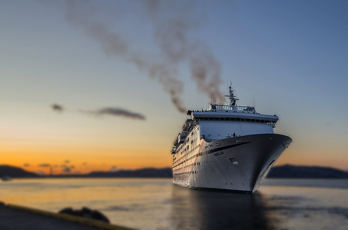 ship tourism tourists tourist travel reisen cruise cruiseship boat sunset sky sea ocean water blur smoke silhouette silhouettes colors colores canoneos6d seaside seascape norway norwegen bergen beautiful ts serene environment magellan harbor europa evening outdoor orange océanos photo picture panorama awesome abend scandinavia scenery dof depthoffield flickr foto farben farbe fjord focus fjords himmel light outstanding canon colour contrasts view vieux vessel vacation bilde norge mood holiday vacaciones ferien barco schiff lapuestadelsol ocaso tamron golden