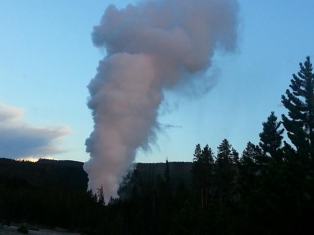 Steamboat Geyser eruption, steam phase