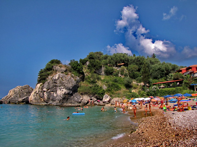 Beach Piso Krioneri (Παραλία Πίσω Κρυονέρι)