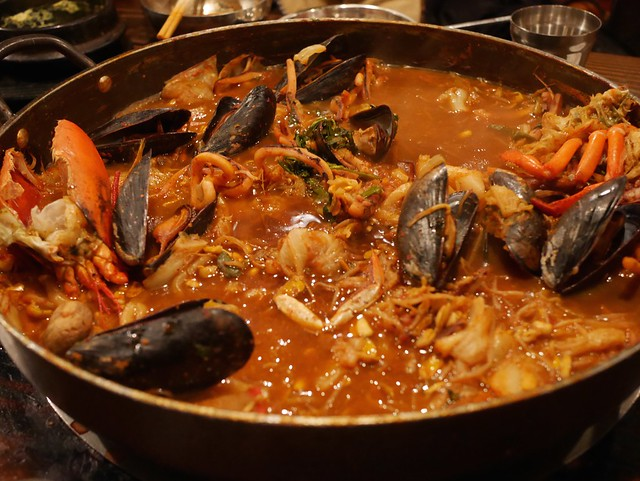 水, 2014-03-26 20:26 - 海鮮鍋「もう食べれない」