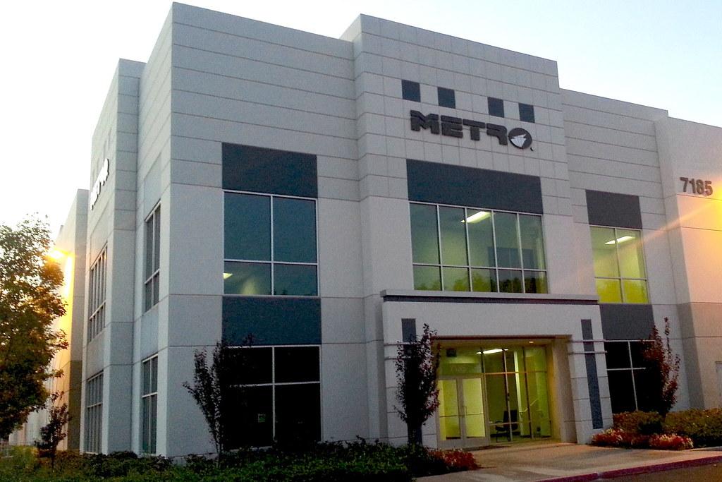 Metro Auto Parts >> Metro Auto Parts Pico Rivera Dimensional Logos Big City Signs