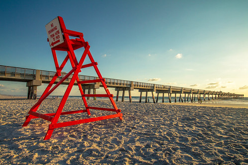 ocean blue red sea sky beach sunrise canon pier florida lifeguard 7d jacksonville efs1022mm agusvalenzphoto