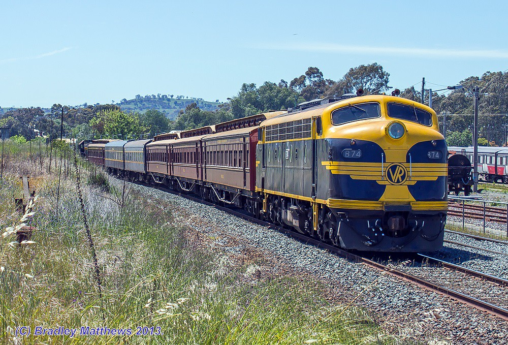 B74-T378 with an up SRHC pass special in push pull mode about to appoached Seymour Station (19/10/2013) by Bradley Matthews