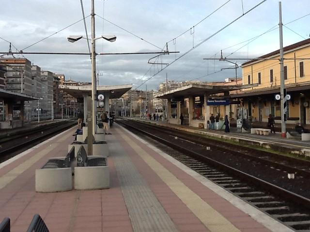 stazione di roma-tuscolana -binario 4 - roma - italia