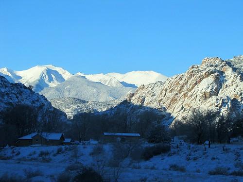winter sky snow mountains rural colorado earlymorning us50 cotopaxi bighornsheepcanyon