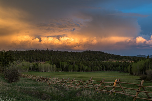 sunset fence colorado thunderstorm rockymountains frontrange cumuluscloud
