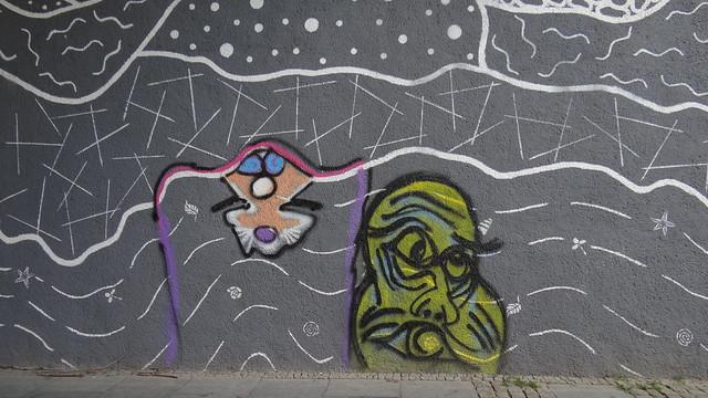 Graffiti muß noch an deinem Bande durch fremde Lande, durch ferne Täler und Wälder wallen, das Herz konnte so bald nicht von meinem Herzen fallen 00342
