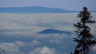Pyramidenkogel im Nebelmeer 33,8 km entfernt [explored]