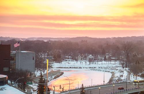 morning winter sky snow sunshine minnesota sunrise unitedstates snowy americanflag rochester mayoclinic bearcreek zumbroriver mayociviccenter civiccenterdrive 3rdavese 3rdavenuese cs15rg