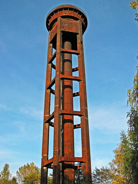 Der Wasserturm auf dem Gelände des Rangierbahnhofes Tempelhof Südgelände in Berlin