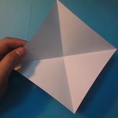 วิธีการพับกระดาษเป็นดาวสี่แฉก 002
