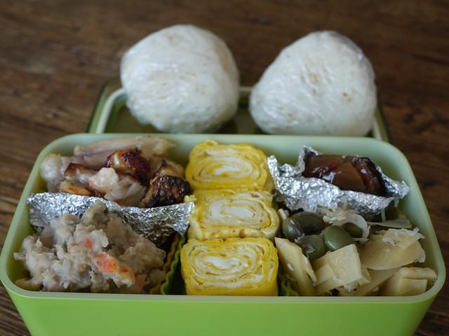 金, 2014-01-17 08:48 - ドゥルワカシー、ハラスの西京漬け、玉子焼き、筍と枝豆とシラスの炒め煮、栗の甘露煮