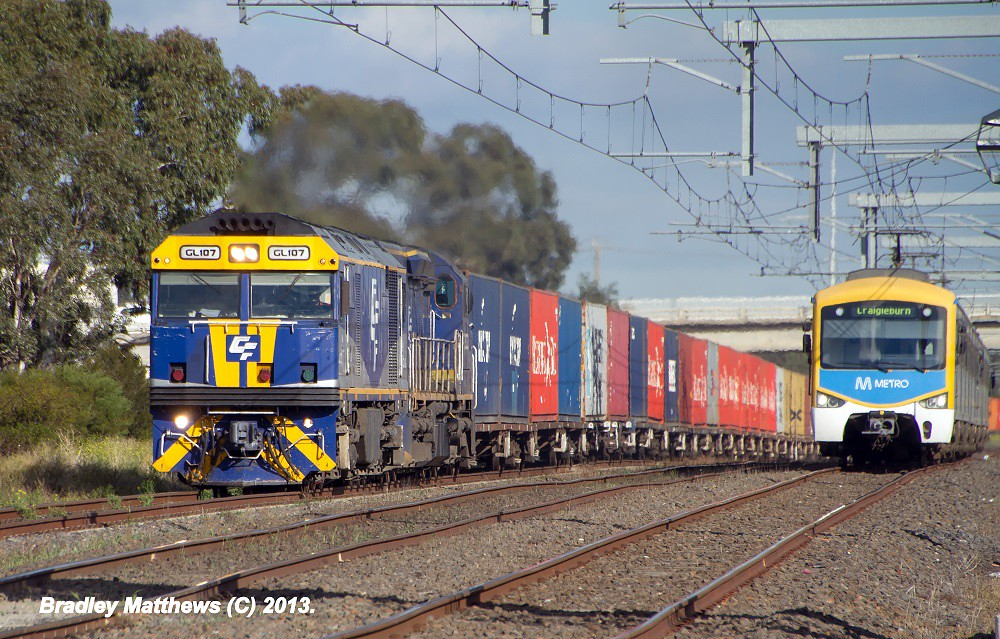 QUBE'S GL107-C508 on 5MC1 to Harefield/Junee with Seimens on down Craigieburn at Dallas (23/5/2013) by Bradley Matthews