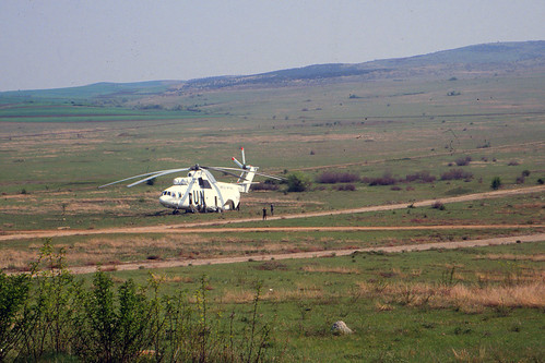 helicopter macedonia unitednations mi6 mi26 milmi26 worldlargesthelicopter lindfly nordbatt fyromcommand worldsbiggesthelicopter