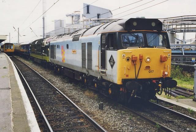 50017 & D9009 at Warrington. 8/7/99