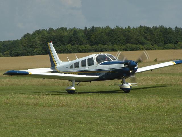G-BEZP PIPER PA-32-300 CHEROKEE SIX