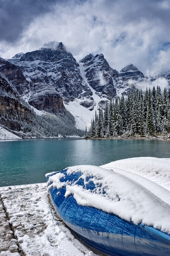 Moraine Lake Canada A Blue Day But Nice At Moraine L