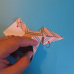 วิธีการพับกระดาษเป็นโบว์หูกระต่าย 020