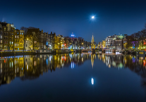 longexposure houses moon reflection water netherlands amsterdam night reflections canal europe nederland thenetherlands canals clear nighttime slowshutter nl nederlands longexpo