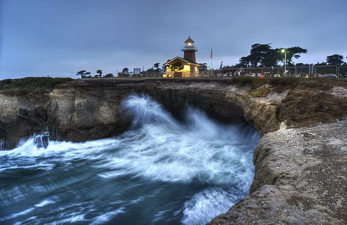 lighthousepointpark santacruz 1xp hdr raw nex6 selp1650 photomatix california night cloudy outdoor park coast water wave crashingwave cliff ocean pacific pacificocean tower lighthouse light long exposure fav200 qualityhdr qualityhdrphotography wow
