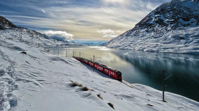 Rhätische Bahn - Lago Bianco - Grigioni - Svizzera