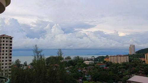 sky cloud strange weather clouds town george funny wolken formation malaysia penang batu maleisie formatie ferringhi 2013