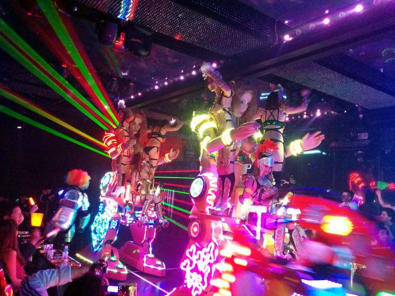Charge of the fembots 2, Robot Restaurant, Shinjuku, Tokyo, Japan