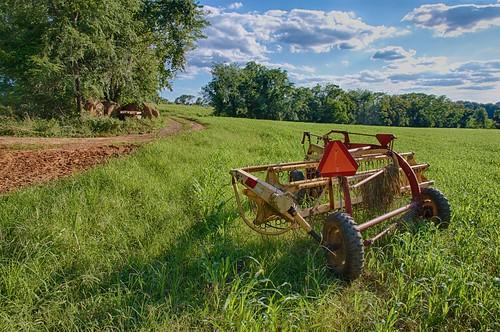 shadow grass rural canon landscape geotagged evening virginia triangle farm nik hay hdr farmequipment hazardsign vinton hayrake 3xp slowmovingvehiclesign vintonva canont1i boxtreelodge canon1585 hdrefexpro2 nikhdrefexpro2 braelochlodge
