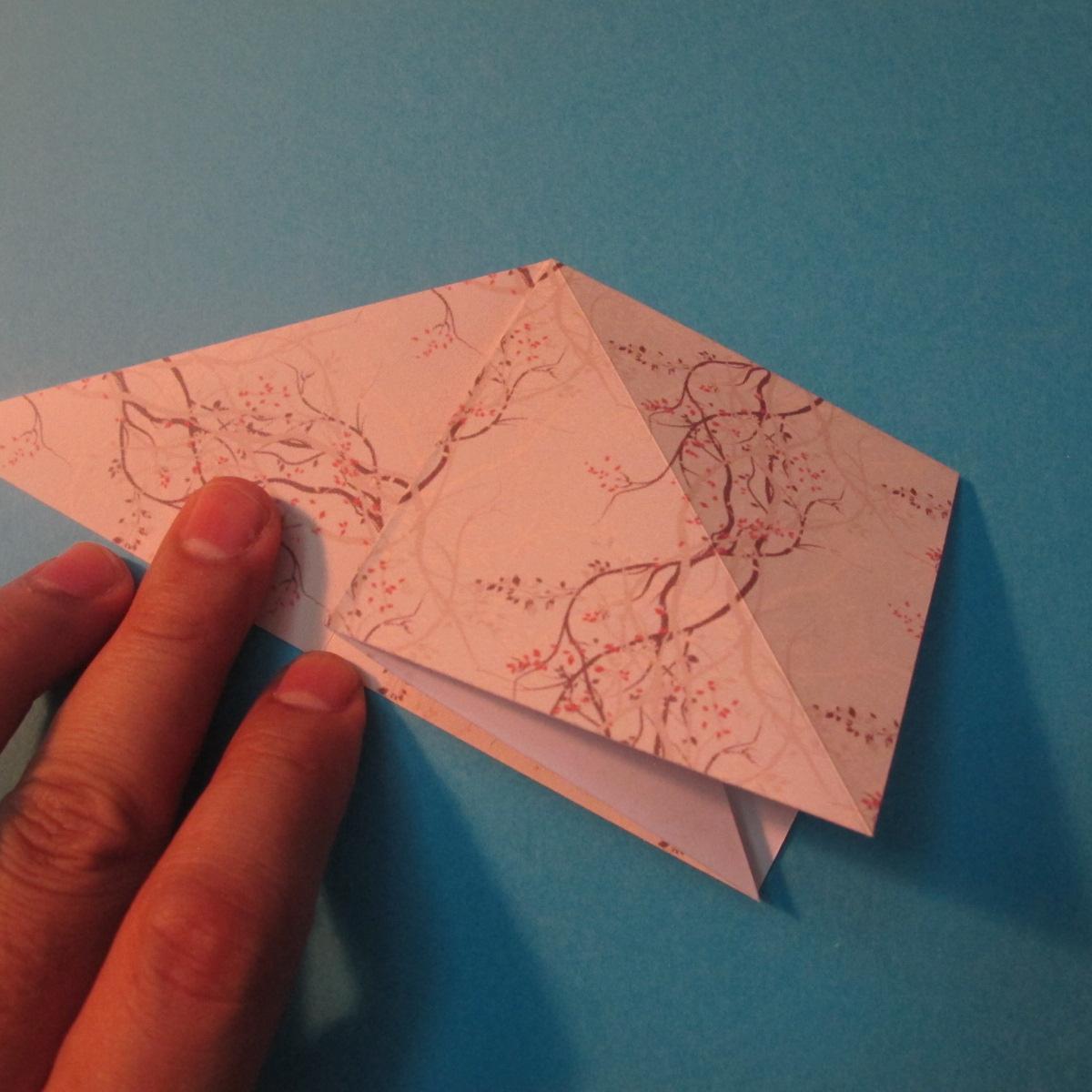 วิธีการพับกระดาษเป็นดาวสี่แฉก 006