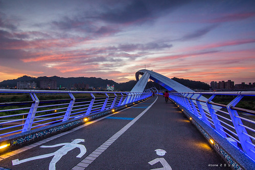 sunset canon landscape star taiwan resort tokina 夕陽 taipei 台灣 台北 碧潭 cpl 新店 atone 1116 火燒雲 600d 陽光運動公園 陽光橋