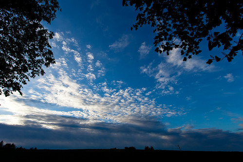 blue trees sunset sky sun clouds canon germany deutschland thüringen himmel wolken bluesky thuringia sonne bäume blauerhimmel sonnenstrahlen eichsfeld ef1740mmf4lusm canoneosd canoneos5dmarkii